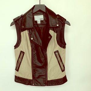 Great Condition Bar III Women's Vest